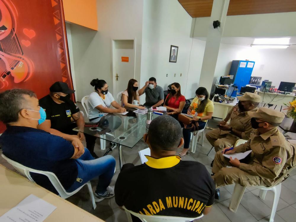 Prefeitura de Parintins realiza reuniões de planejamento para evento teste no aniversário da cidade