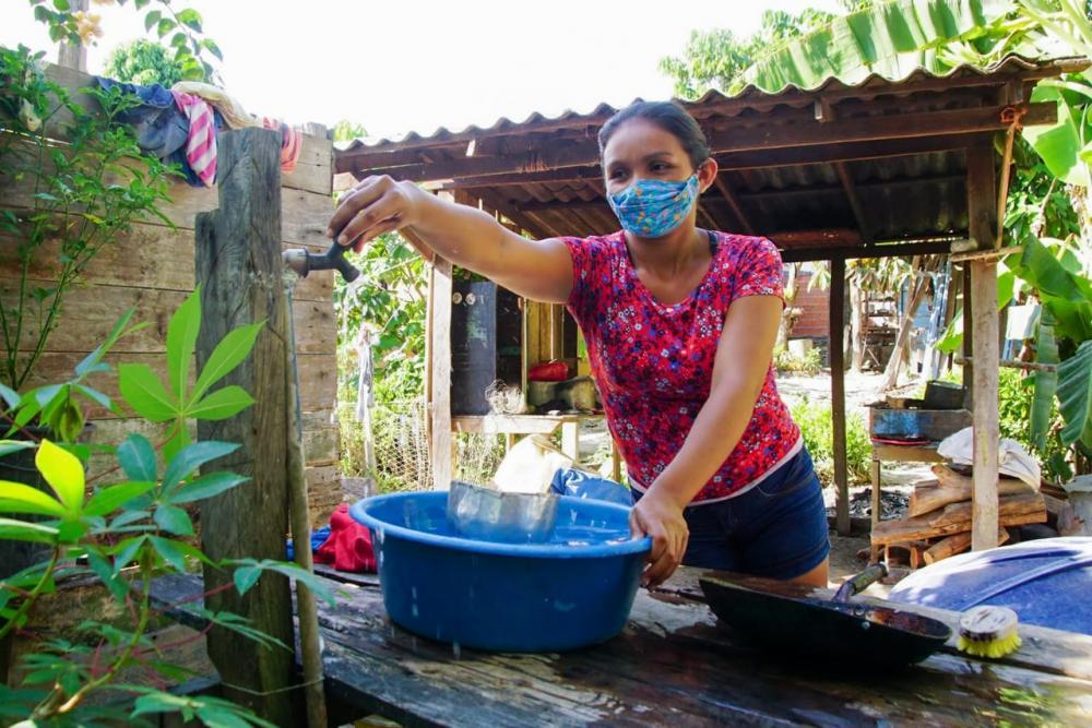 No Caburi, dona de casa se emociona com a chegada do programa Água no Jirau