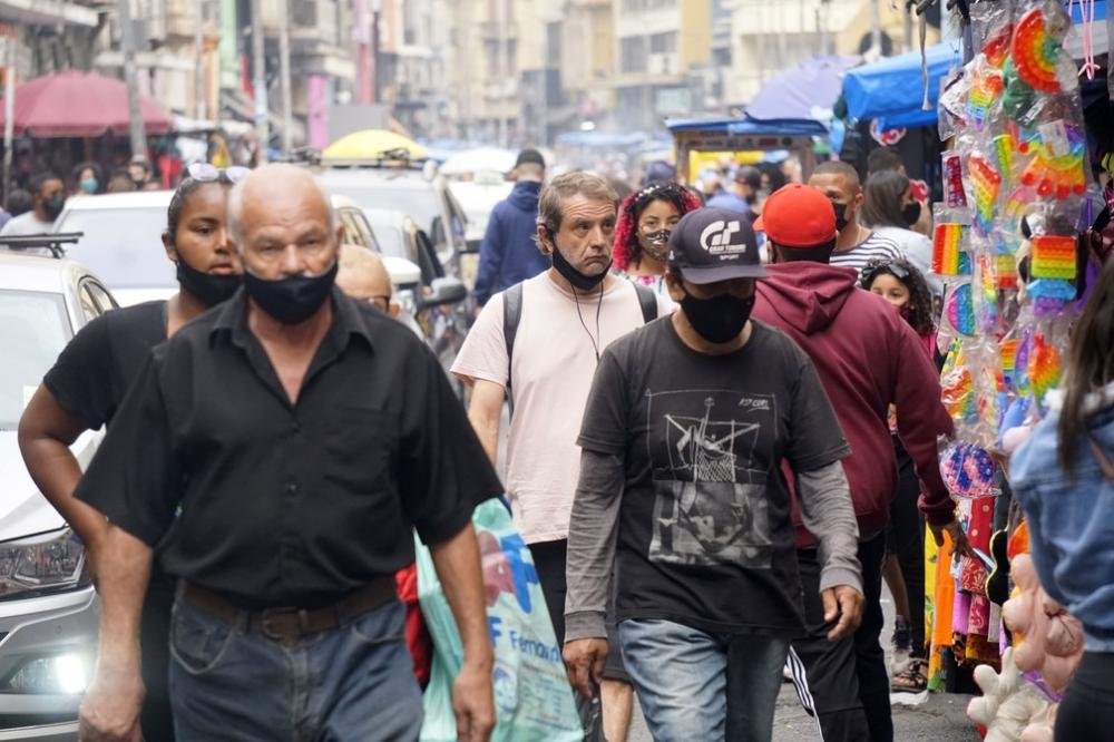 Prefeitura de São Paulo decide manter obrigatoriedade do uso de máscaras em locais públicos