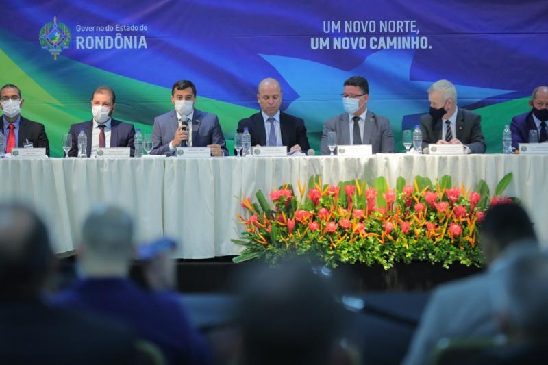 Em Rondônia, Wilson Lima participa de reunião que aprovou R$ 7,9 bilhões em investimentos e 1,4 mil novos empregos na Zona Franca de Manaus